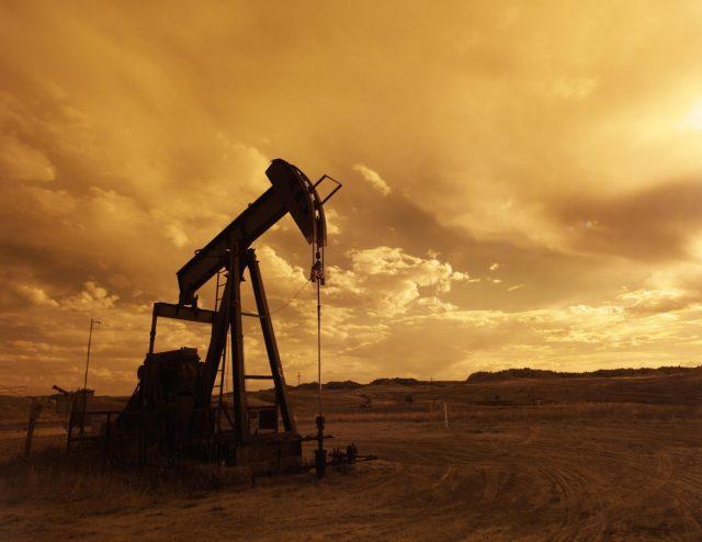 ドル円が円安に向かう好材料は原油価格の高騰にあり。